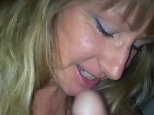 Mature woman loves hard young dick