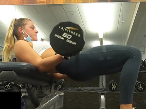Gym voyeur enjoys fit girl's hip thrusts and squats