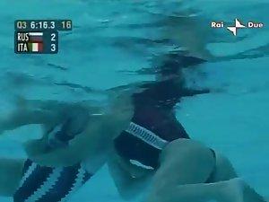 Female waterpolo underwater cam