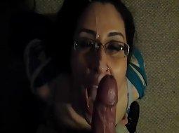 Kinky girl gets a cum facial