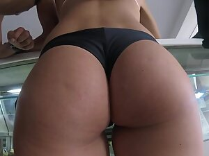 Perfect bubble butt that deserves a good spanking