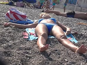 Voyeur inspection of hot women on beach