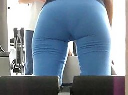 Big ass spied in the gym