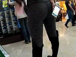 Sexy ass in hot leggings