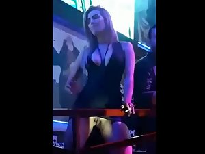 Slut shows pussy in upskirt when she dances