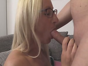 Fit milf fucked by chubby guy