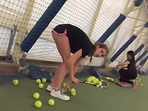 Teen tennis player caught me look at her ass