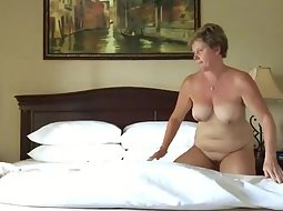 Mature woman fucked very nicely