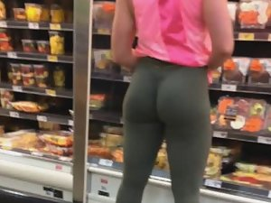 Hot muscular butt of a strong bodybuilder girl