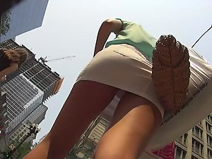 Upskirt of elegant lady shows she is sexy