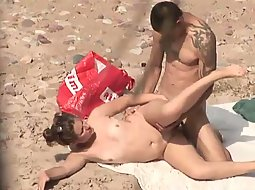 couple-caught-fucking-about-the-beach-pictures-black-hairstyles