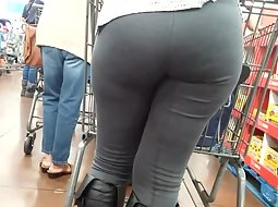 Huge butt in the supermarket