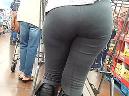 Huge butt in the supermarket