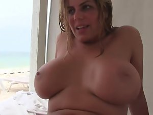 Mutual oral sex on the beach