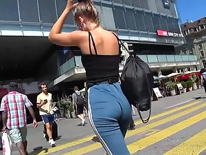 Loose pants can't hide a tight butt