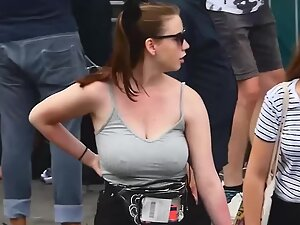 Big boobs and hard nipples without a bra