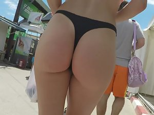 Epic girl with perfect ass caught on beach