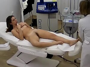 Spying on sexy brunette during hair removal