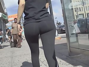 Awesome bubble butt of girl in all black outfit