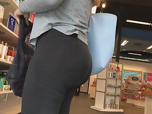 Ass made to twerk