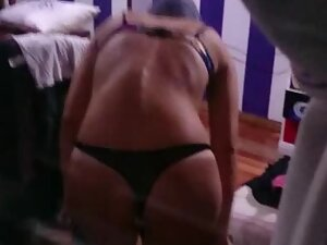 Peeping tom caught a hottie in a thong