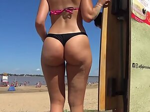 Sweetest bubble butt of the entire beach