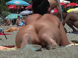 round beach buns