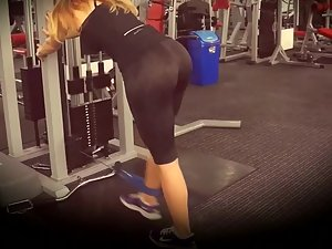 Sexy ass flexes and releases in gym