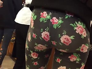 Tight ass in leggings with lots of flowers