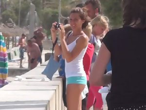Sexy tourist girl got magnificent ass