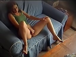Security cam catches her cheating 4