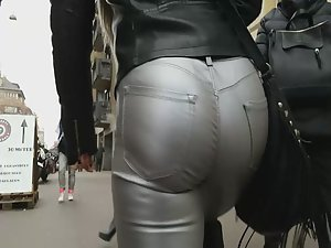 Ass looks like it's made in silver