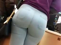 Big butt looks good in jeans