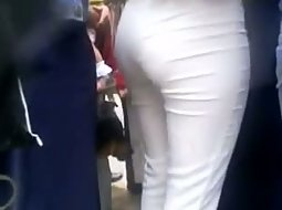 Tight white pants in the crowd
